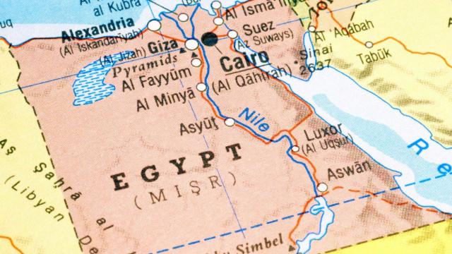 Filhos de Moubarak detidos no Egito por fraude financeira