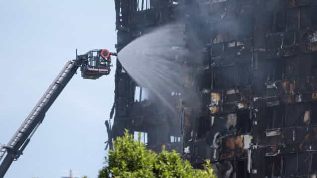 Número de mortos em incêndio em Londres poderá estar abaixo dos 80