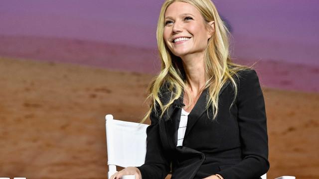 Fontes confirmam que Gwyneth Paltrow está noiva de Brad Falchuk