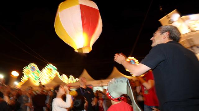 PSP informa que é proibido lançar balões de ar quente no S. João