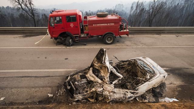 Câmara de Leiria substitui viatura dos bombeiros destruída nos fogos