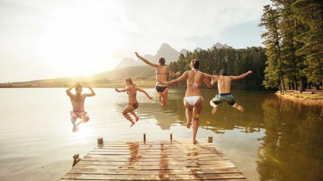 Será ou não um local seguro para nadar? Eis seis sinais de alerta