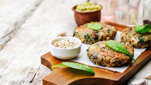 Guia para seguir uma alimentação vegetariana de forma saudável e adequada