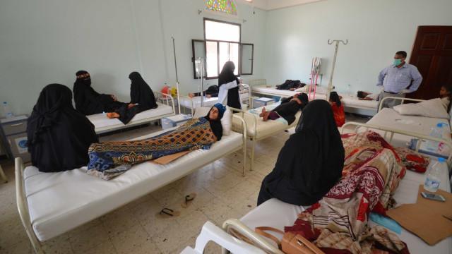 Epidemia de cólera no Iémen é a pior do mundo. Cinco mil casos diários
