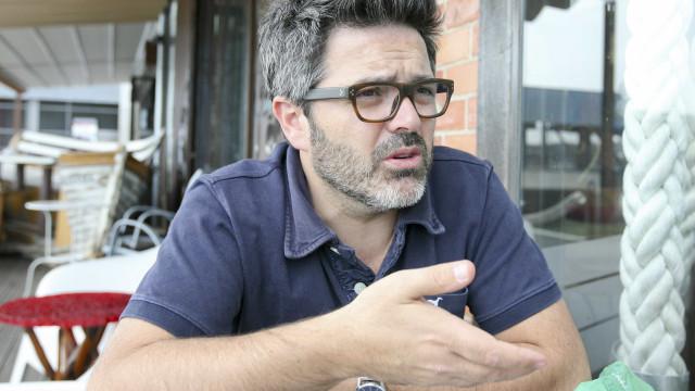 """Nilton critica pessoas que """"recolhem destroços"""" do helicóptero do INEM"""