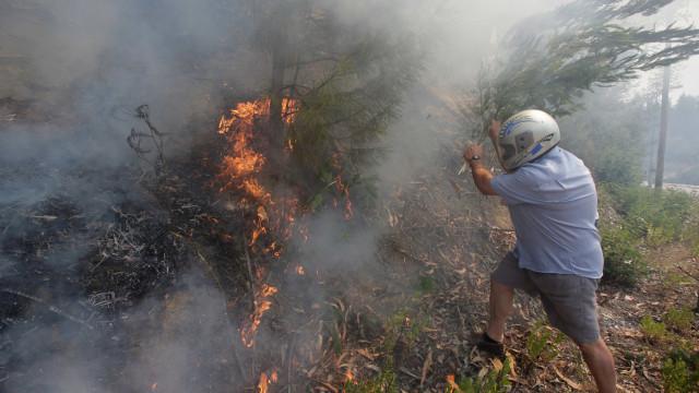 Mais de 40 pessoas afetadas pelos incêndios precisam de apoio psicológico