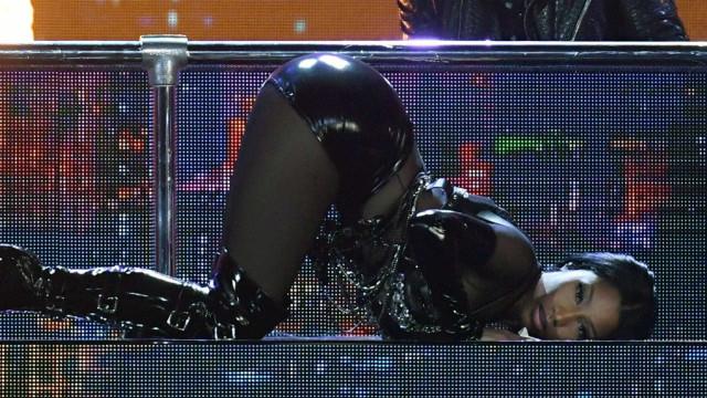 Nicki Minaj deixa fãs de 'queixo caído' com foto seminua