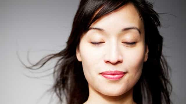 Para o cérebro, um simples piscar de olhos é como uma 'mini sesta'
