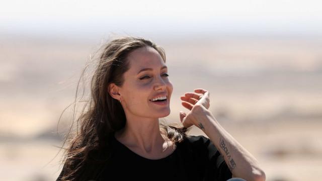 Jolie visita refugiados no Quénia e fala sobre abusos sexuais