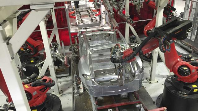Tesla começou a negociar fábrica na China