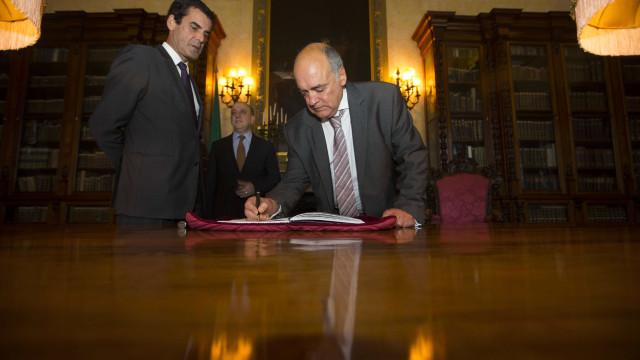 """CMVM aponta """"papel incontornável no mercado de capitais"""" de Miguel Beleza"""