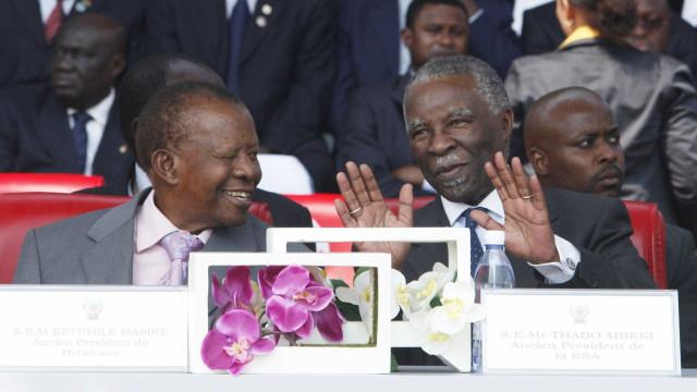 Antigo presidente do Botsuana Ketumile Masire morreu aos 91 anos