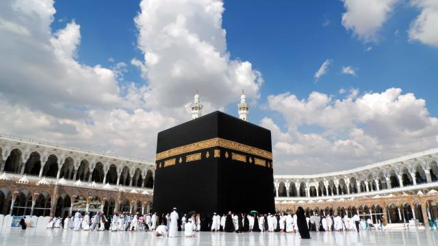 """Polícia saudita trava """"ação terrorista"""" em Meca"""