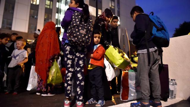Dezenas de pessoas desobedeceram ordem de evacuação por risco de incêndio