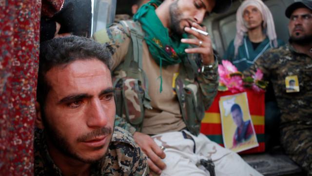 Bombardeamento da coligação internacional na Síria mata oito civis