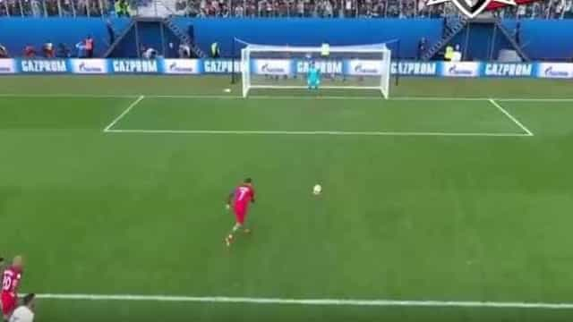 Grande penalidade de Ronaldo coloca Portugal em vantagem