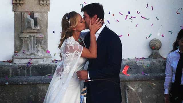 Bárbara Norton de Matos partilha momento romântico com o marido