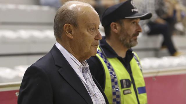 Pinto da Costa quebra o silêncio e envia farpa ao Benfica