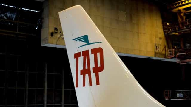 Avião da TAP assinala 72.º aniversário com pintura retro