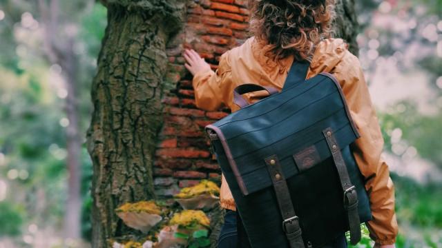 Uma mochila reciclada: O segundo passo da economia de colmeia portuguesa