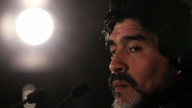 """Filha de Maradona: """"O meu pai estava a drogar-se e a minha irmã entrou"""""""