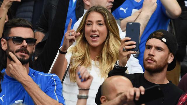 Esposa de Morata começa a seguir United no Instagram e alimenta rumores