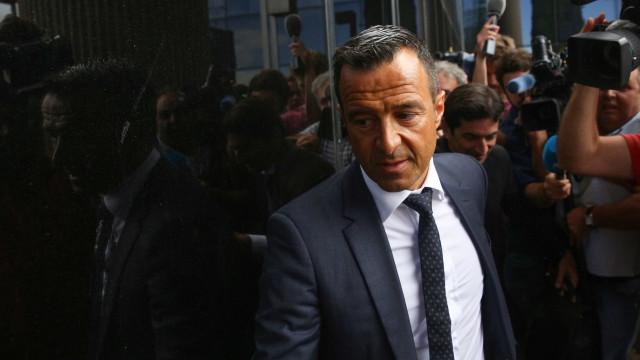 Mendes reuniu com o AC Milan para discutir Renato, Falcao e Diego Costa