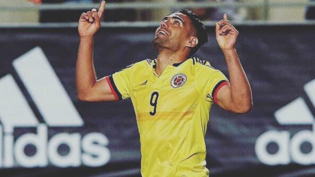 Falcão Garcia prova que não é apenas um craque de futebol