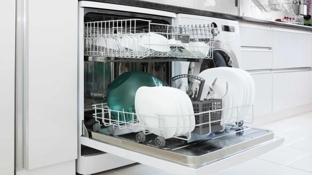 Cientistas do Porto inventam máquina que lava a loiça em seis minutos