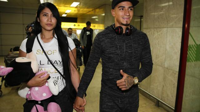 Arango já está em Lisboa para assinar contrato com o Benfica