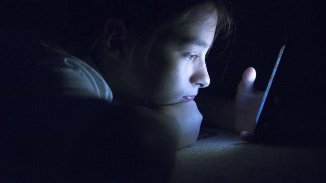 Vulnerabilidade do WhatsApp permite saber quando está a dormir