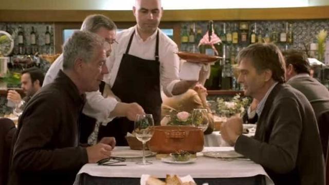 Anthony Bourdain visitou e comeu pela Invicta. Descubra hoje se gostou