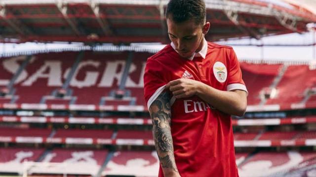 Aí está o novo equipamento principal do Benfica