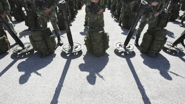 """""""Militares souberam enfrentar corajosamente grave problema de segurança"""""""