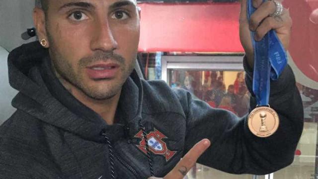 Confederações: Quaresma dedica medalha a amigo vítima dos incêndios