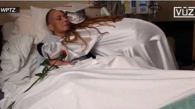 Perde batalha contra cancro, dois dias após assistir à graduação da filha
