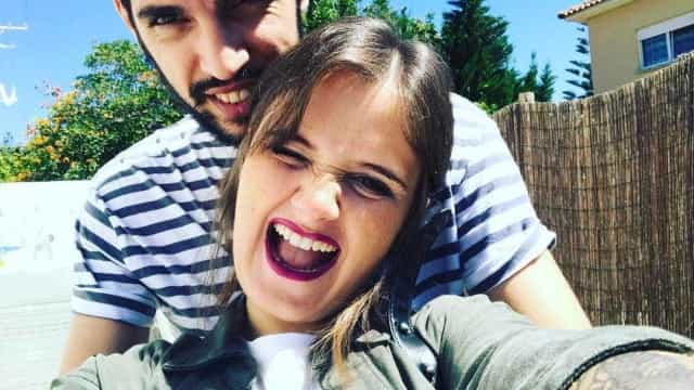 """Carolina Deslandes relata ato heróico do noivo: """"Salvou toda a gente"""""""