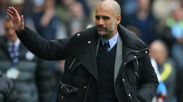 """Guardiola confirma que Danilo """"é opção"""" para o Manchester City"""