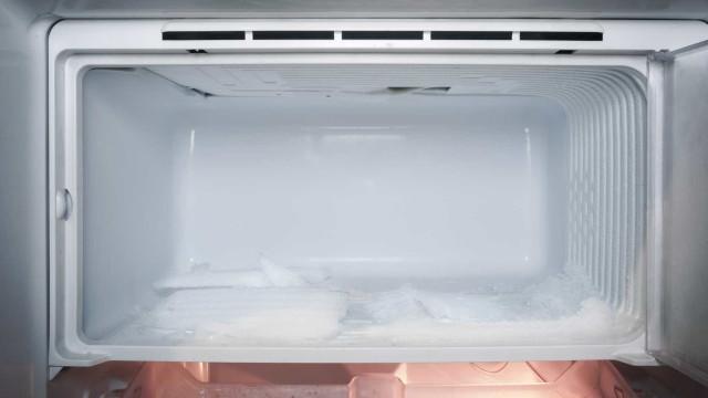 Manteve corpo da mulher oito anos no congelador para receber pensão