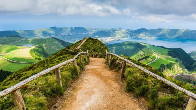 Onde relaxar em julho? A Lonely Planet recomenda os Açores