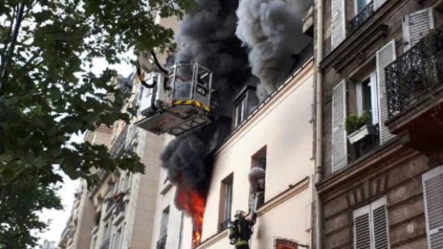 Incêndio em prédio de Paris faz um morto. Há crianças feridas