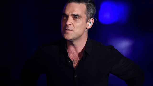 Robbie Williams foi um dos hóspedes que fugiu das chamas em Londres