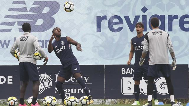 Tottenham desiste de Ricardo Pereira