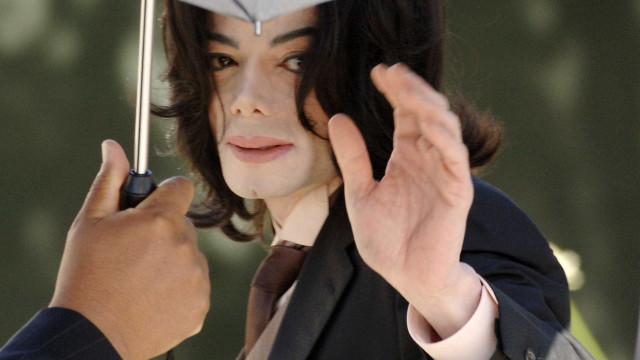 Michael Jackson disfarçava-se para ver atuar novos artistas