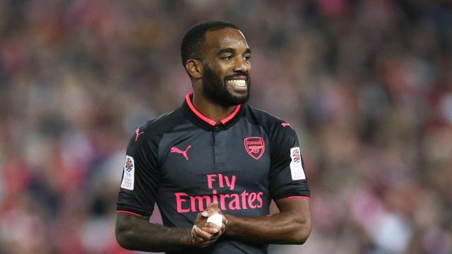 Descartado por Mourinho, Lacazette já faz estragos no Arsenal