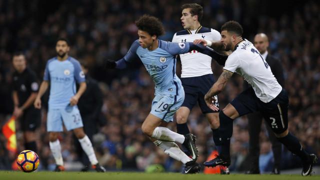 Sané garante que apenas três jogadores estão ao nível de Messi