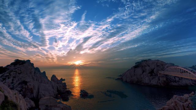 Procura o pôr-do-sol perfeito? No Snapchat bastará escolher um filtro