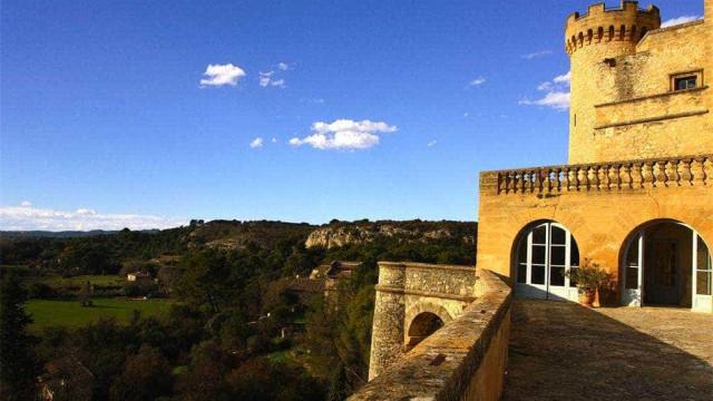 Depois de 500 anos na mesma família, castelo milenar procura novo dono