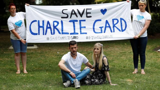 """Médica diz que último dias de Charlie Gard foram """"uma novela"""""""