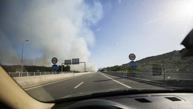 A23 cortada devido a incêndio que lavra em Castelo Branco